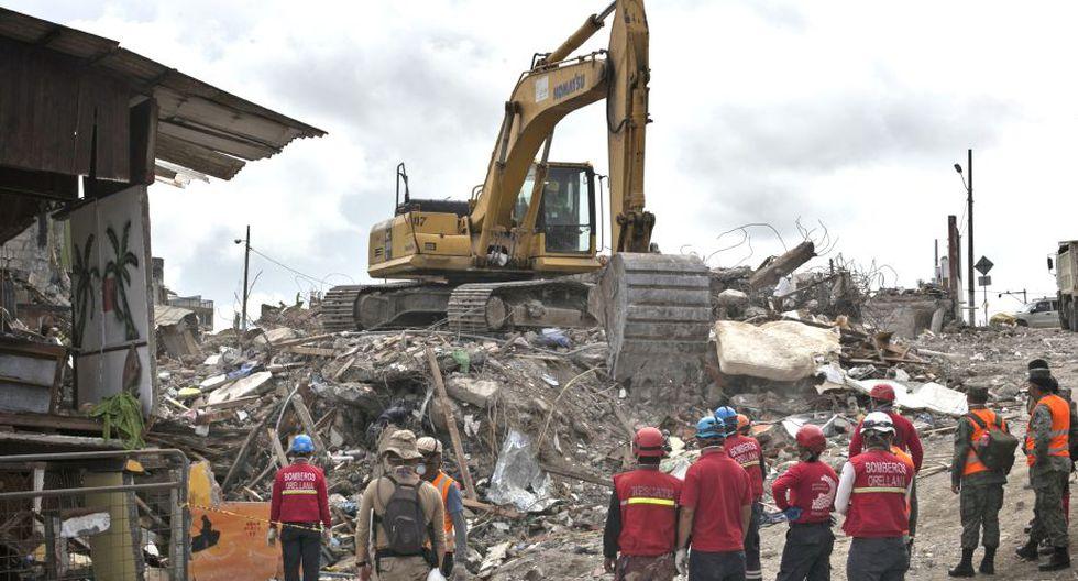 Hotel es demolido. Alrededor de 70 personas murieron mientras festejaban una boda (Albert Masias/MSF).