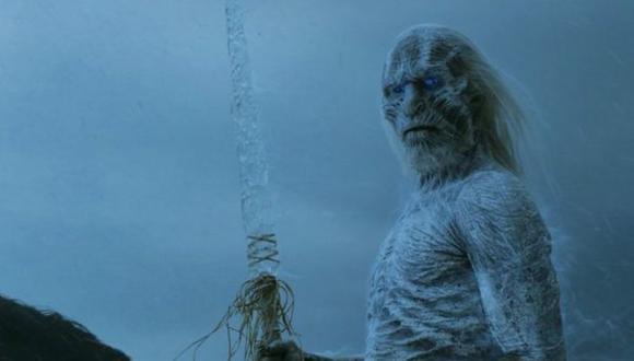 Esto se contradice con lo visto en Game of Thrones hasta el momento. El Rey de la Noche fue creado por los Niños del Bosque, para protegerse contra los Primeros Hombres. Pero él convirtió a más gente en White Walkers para iniciar un ejército (Foto: HBO)