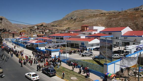 Junín: Los pasajeros que viajaban en la unidad señalaron que el bus salió a las 3:00 p.m. de Lima y se quedó varado casi 10 horas en Ticlio.