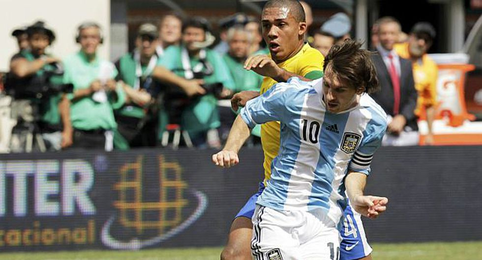 Lo alaban luego de contribuir en la victoria argentina. (Reuters)
