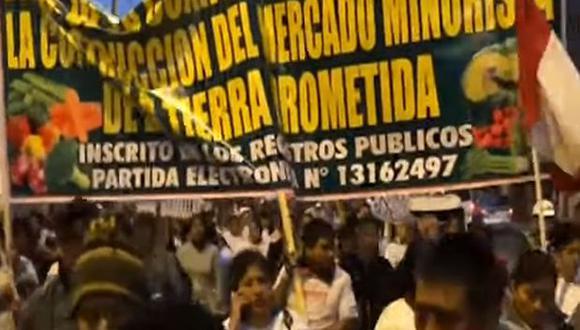 Los comerciantes informales recorrieron diversas calles de Santa Anita. (Foto: Captura/TV)