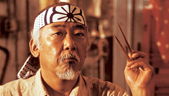 """¿Qué pasó con el Sr. Miyagi entre los años de """"The Karate Kid"""" y """"Cobra Kai""""? (Foto: Columbia Pictures)"""