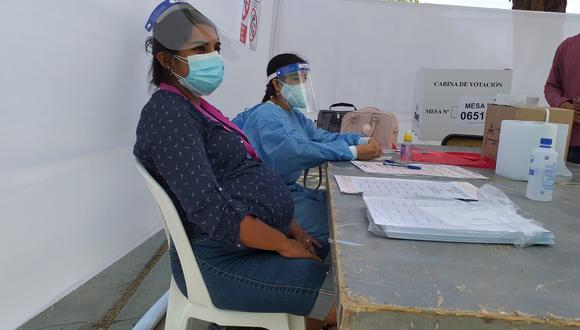 Piura: en la mesa de sufragio de la mujer embarazada no se registraron aglomeraciones y el proceso electoral se desarrolla con normalidad. (Foto: GEC)