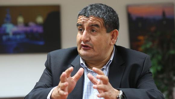El exgobernador de Lambayeque, Humberto Acuña, dijo que no teme ir a la cárcel y que actuó en defensa de los intereses del país. (Foto: Andina)