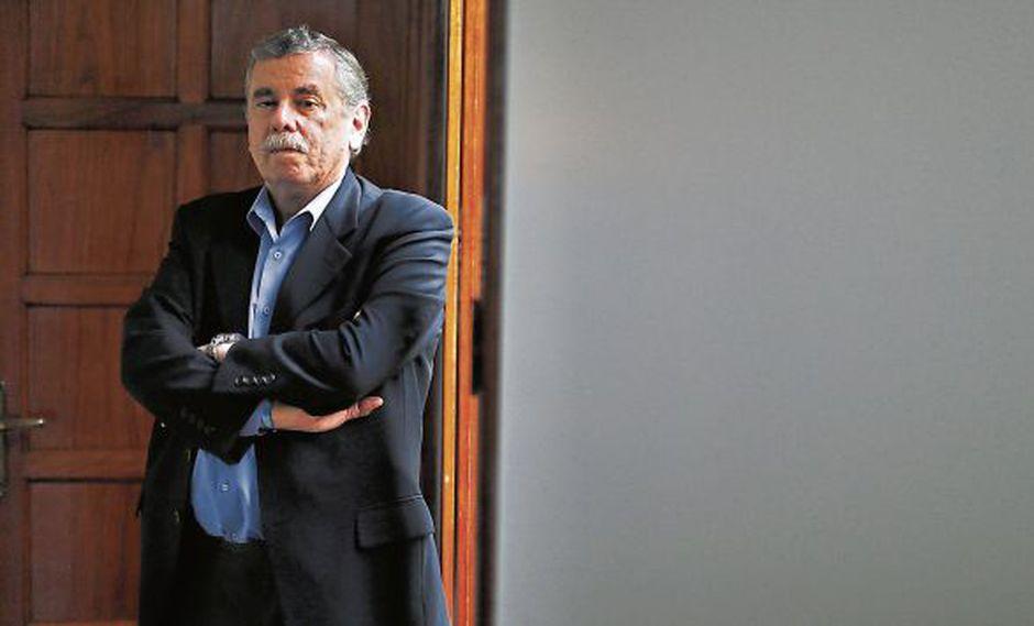 """Fernando Rospigliosi: """"El gobierno se ha creado  muchos adversarios políticos"""" (MarioZapata/Perú21)"""