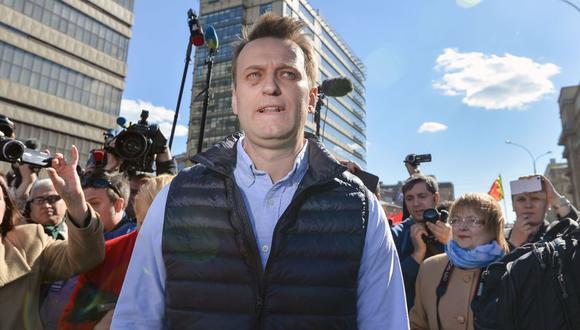 Imagen de archivo de Alexei Navalny, opositor a Vladimir Putin, durante protesta. (Foto: AFP)