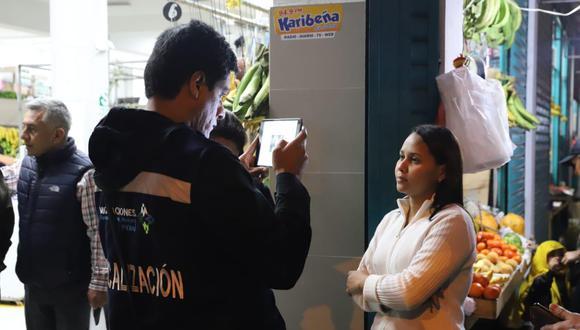 Durante la acción de control, cinco personas fueron detenidas por exceder el tiempo de permanencia y por carecer de control migratorio. (Foto: Migraciones)
