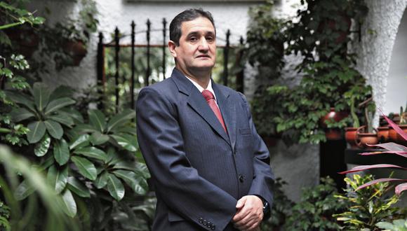 Julio César Castiglioni. Abogado experto en temas municipales. (Perú21)