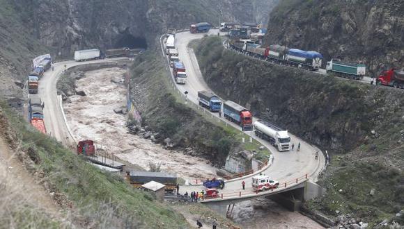 MTC dispuso restringir el paso de camiones por la Carretera Central durante Semana Santa. (Perú21)
