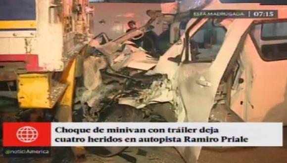 Choque de miniván en autopista Ramiro Prialé dejó cuatro heridos. (Captura)