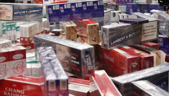 Contrabando de cigarros: Informales incluso venden a menores de edad. (AP)