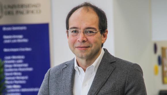 Martín Monsalve es catedrático, investigador y experto en historia económica.