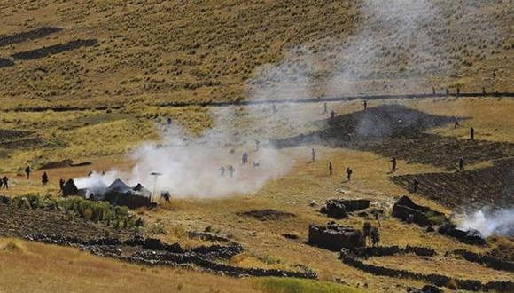 Víctimas de la pelea reportaron que 25 chozas, que sirven de estancia para los pobladores, fueron quemadas. (Foto: Captura de video)