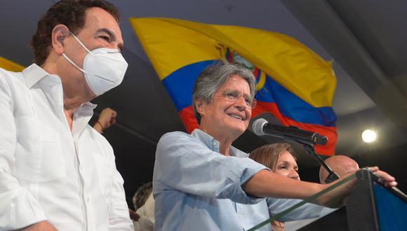 Varios líderes de América Latina felicitaron este domingo al virtual presidente electo de Ecuador, Guillermo Lasso. (Foto: Fernando Mendez / AFP)