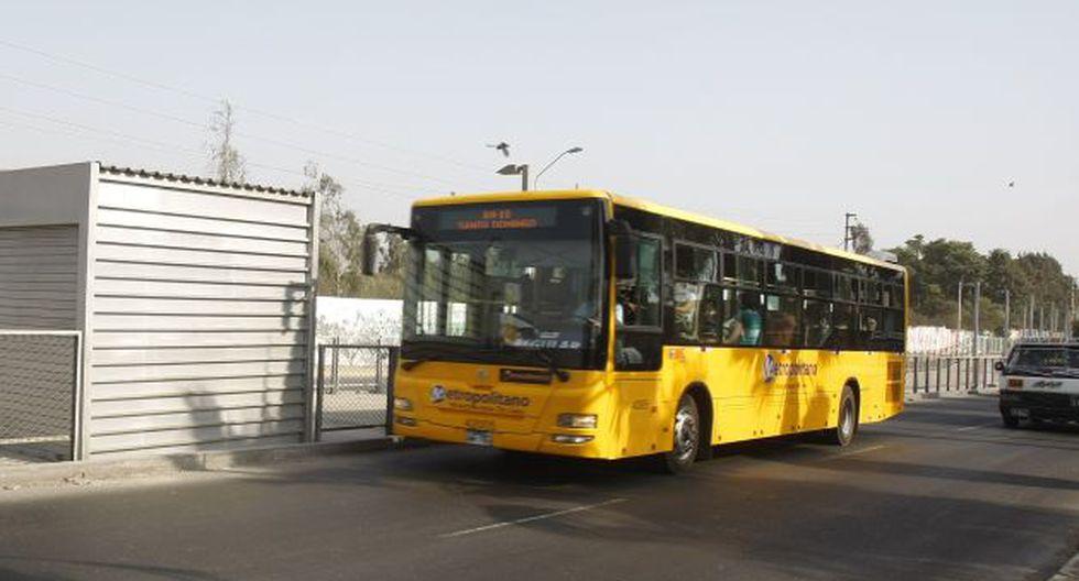 Municipalidad de Lima negó que buses del Metropolitano operen en Corredor Azul. (Perú21)