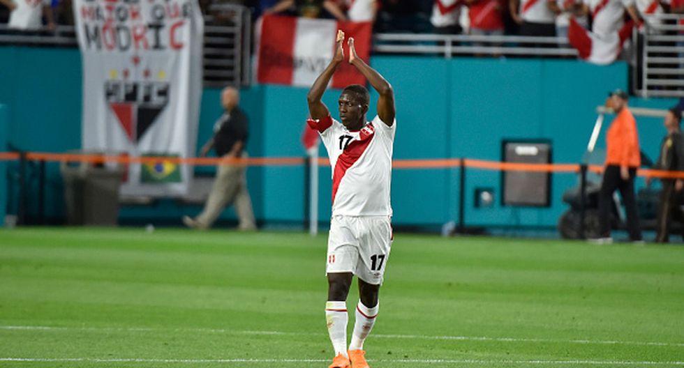 Luis Advíncula argumentó su ausencia en los últimos duelos de Lobos BUAP por el Clausura de la Liga MX. (GETTY IMAGES)