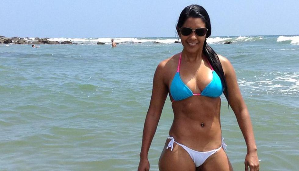 Rocío Miranda levantó suspiros y miradas durante sus paseos por las playas de Piura. (Facebook)