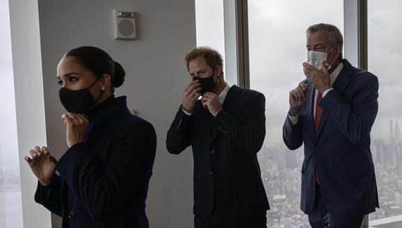 Enrique y Meghan reaparecieron en Nueva York y visitaron el memorial del 9/11. (Foto: AFP)