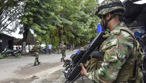 La presencia militar se incrementado en la frontera entre Venezuela y Colombia debido a los constantes enfrentamientos de las guerrillas que persisten en la zona. (Foto: AFP)