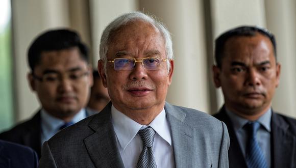 Durante su testimonio en el juicio, Najib Razak se presentó como la víctima de un engaño perpetrado por el empresario malasio Jho Low, otrora asesor cercano del político y huido de la justicia. (Foto: EFE/EPA/AHMAD YUSNI)