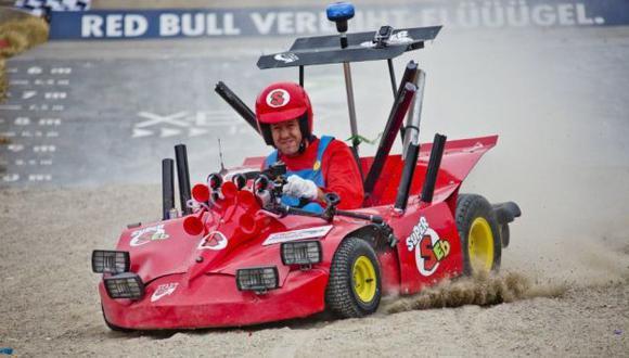 Sebastian Vettel se disfrazó para convocatoria. (Difusión)