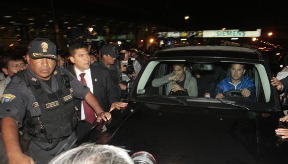Aclamado. Guerrero llegó a Lima en olor a multitud. (Andrés Cuya/USI)