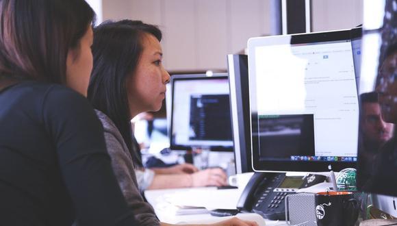"""""""Son múltiples los estudios que acreditan las ventajas comparativas que existen cuando se cuentan con mujeres en espacios de toma de decisión"""", refiere Women CEO Perú. (Foto: Pixabay)"""