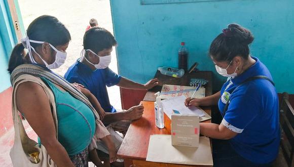 En el transcurso de las actividades las brigadas de profesionales brindaron asistencia médica a una mujer que alumbró a un varón en una comunidad loretana (Foto: Midis)