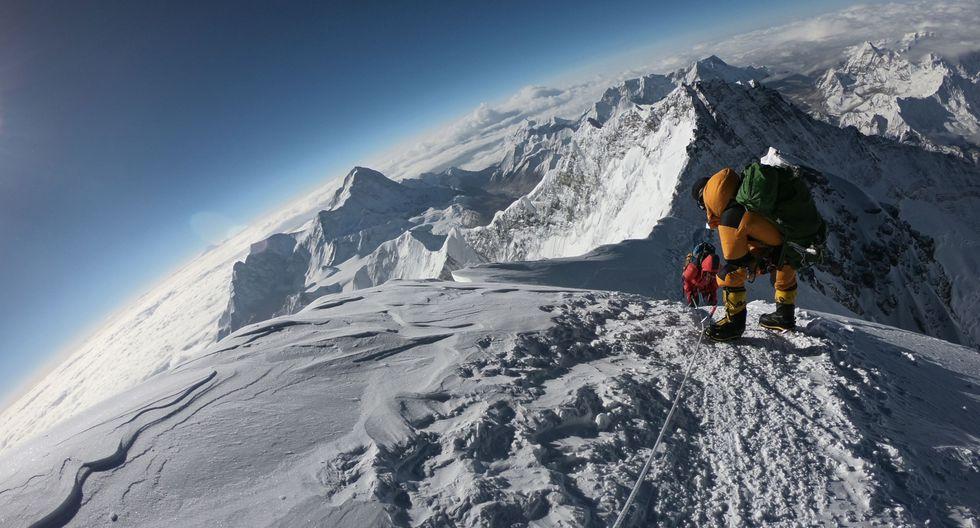 La altura oficial del Monte Everest es de 8.848 metros, según medición lograda por un equipo indio en 1954. (Foto: AFP)