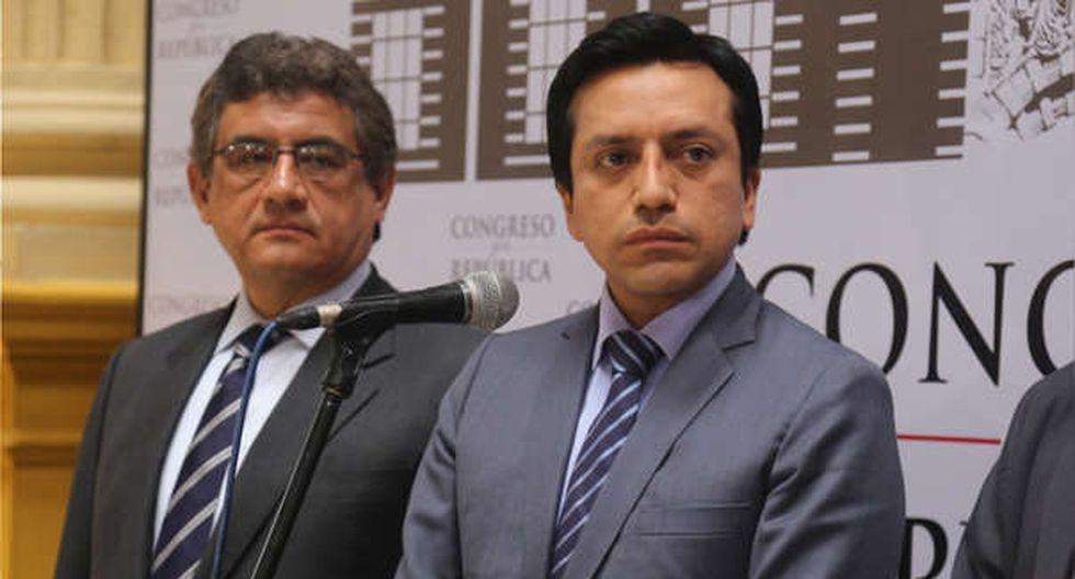 Los congresistas Juan Sheput y Gilbert Violeta indicaron que, según la respuesta de la bancada, tomarán una decisión sobre su licencia. (Foto: Congreso)