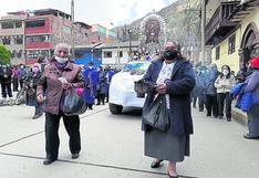 Retiran a fieles que intentaron sumarse a procesión del Señor de los Milagros en Huancavelica