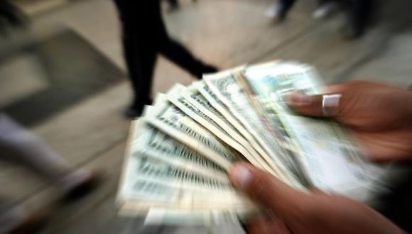 El dólar acumula una alza de 10,19% en el año. (César Fajardo)