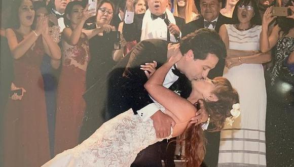 """""""Love is in the air"""", es el mensaje que acompaña la romántica fotografía. (Magaly Medina)"""