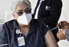 México autoriza vacuna de AstraZeneca para uso de emergencia contra el COVID-19