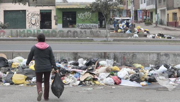 Desperdicios ponen en riesgo salud de los vecinos. (Martín Pauca)