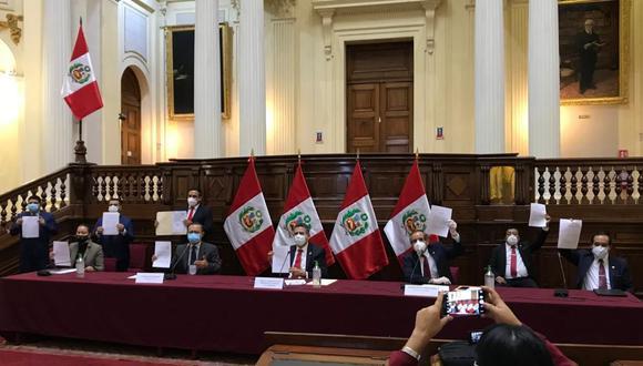 Manuel Merino encabezó conferencia de prensa de Acción Popular desde el Congreso. (Foto Acción Popular)