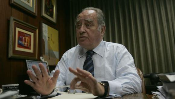 Ántero Flores-Aráoz consideró que hay varios ministros que debieron salir del gabinete. (Perú21)