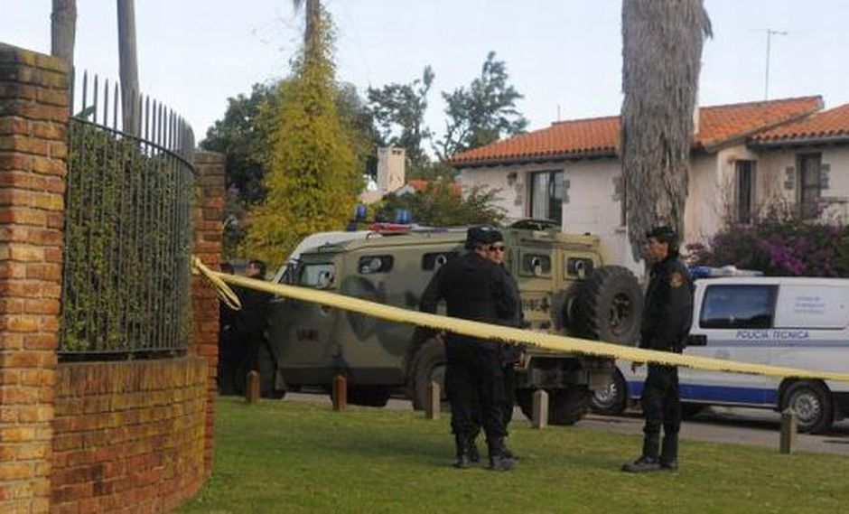 Policía incautó Unas 2,000 armas y cerca de 130,000 municiones a supuesto coleccionista en Montevideo. (elpais.com.uy)