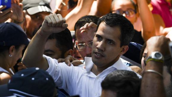 """Juan Guaidó también indicó que viene trabajando sin descanso y afirmó que """"la dictadura está cada vez más débil"""". (Foto: AFP)."""