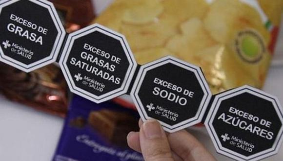 Los alimentos industrializados que se vendan en el Perú estarán obligados de llevar los octógonos de advertencia desde el 17 de junio. (Foto: Andina)