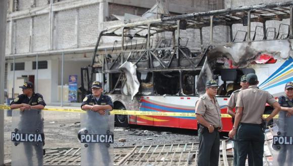 """Abogado de la empresa Sajy sostuvo que el incendio en el bus en el que fallecieron 17 personas fue un """"acto de vandalismo"""" (Giancarlo Ávila / GEC)"""