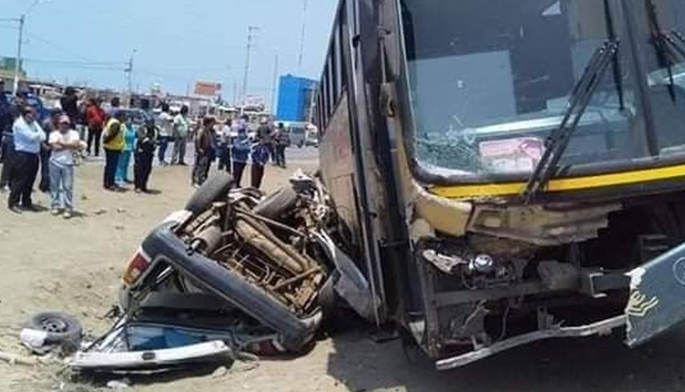 Un aparatoso accidente ocurrió esta mañana en el kilómetro 101 de la Panamericana Sur. (Foto: Prensa Maleña)