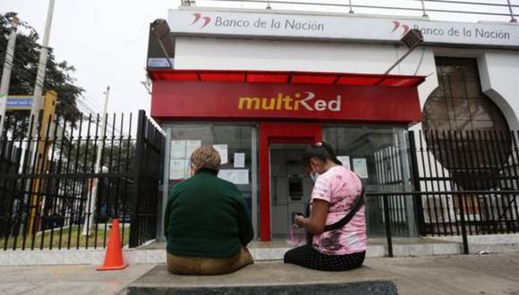 Desde el 25 de noviembre se viene realizando la entrega del bono de 760 soles a través de la Banca celular (Foto: Andina)