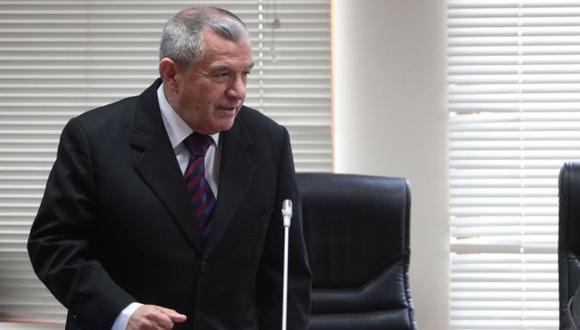 Álvaro Vidal enfrenta otra grave acusación que complica sus relaciones con el gremio médico de Essalud. (David Vexelman)