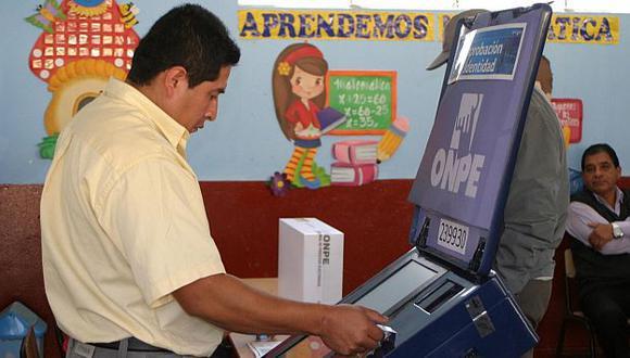 Voto electrónico en Pacarán. (Andina)