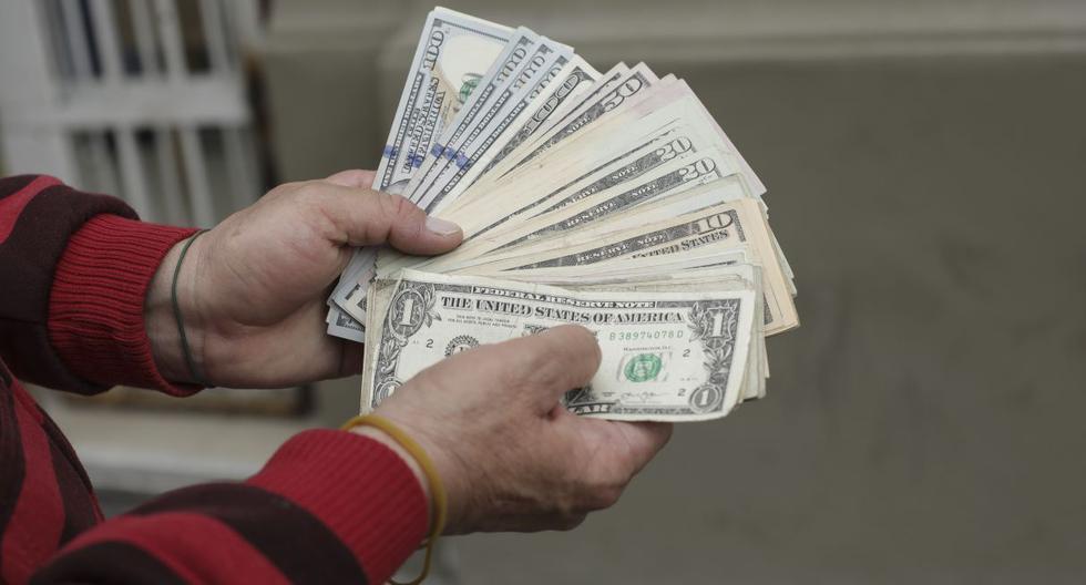 Dólar cierra en S/4.119 y marca nuevo récord