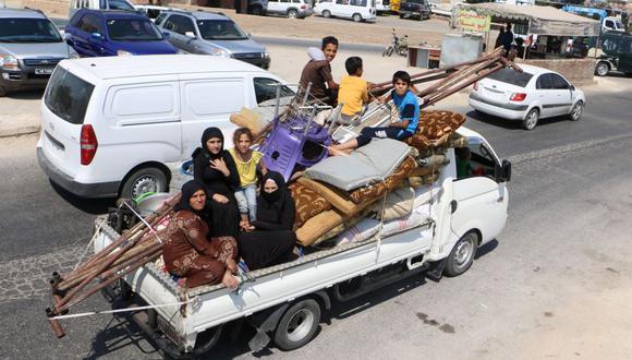 Más de 30 mil desplazados en Siria por bombardeos contra Idlib, informó la ONU. | Foto: AFP