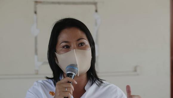 """Keiko Fujimori realizó un recorrido proselitista en la cooperativa de vendedores de plátanos """"Tupac Amaru"""" de San Luis. (Foto: César Grados /@photo.gec)"""