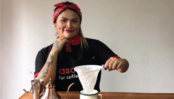 Barista Vanesa Fabián nos muestra una manera sencilla de preparar café en casa.