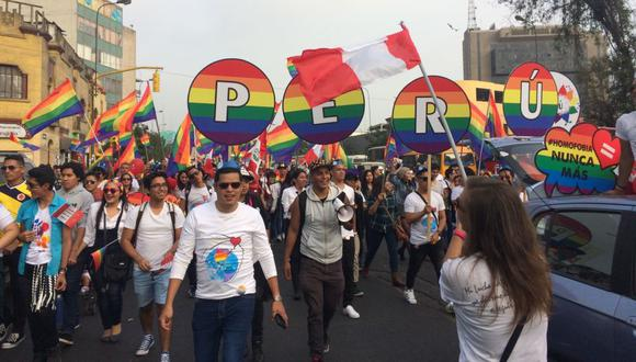 Así se desarrolla la Marcha del Orgullo LGBT en Lima. (Diego Pereira/Perú21)
